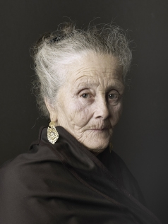 Julia. 2012 © Pierre Gonnord