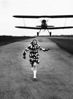 Helmut Newton. British Vogue. London, 1967. © Helmut Newton Estate
