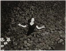 Fotógrafo desconocido: Cantante, hacia 1940. Gelatina de plata, copia nueva. © Bogomir Ecker
