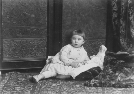 II-79361.1 Baby Thomas, Montreal, QC, 1886 Wm. Notman & Son 1886, 19th century Notman photographic Archives - McCord Museum