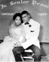 Pareja afroamericana en la fiesta de graduación de la Lincoln High School. 1956. Biblioteca y Archivos Estatales de Florida.